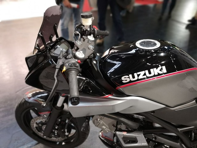 S8-s2-concept-katana-650-l-autre-katana-intermot-2018-566567