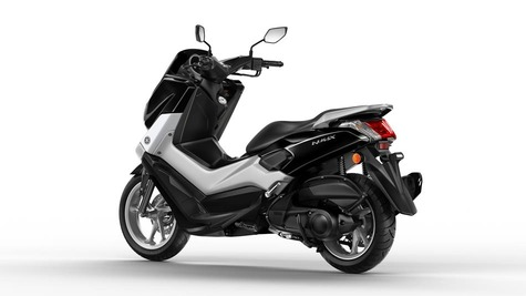 2015-Yamaha-G125YM-EU-Midnight-Black-Studio-005