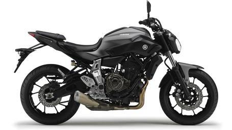 2014-Yamaha-MT-07-EU-Matt-Grey-Studio-002