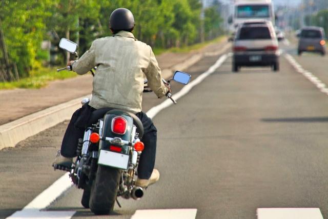 バイク乗って思ったけど、バイクってだけで煽ってくる車が多いこと多いこと…