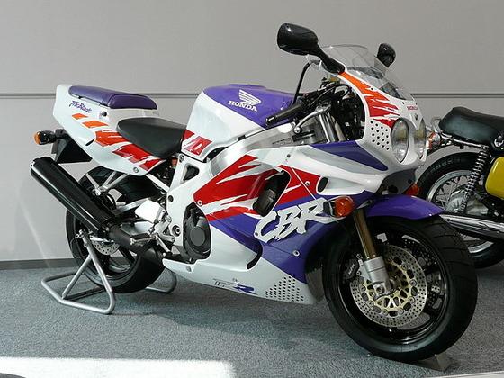 640px-Honda_CBR900RR_Fireblade_1992,jpg