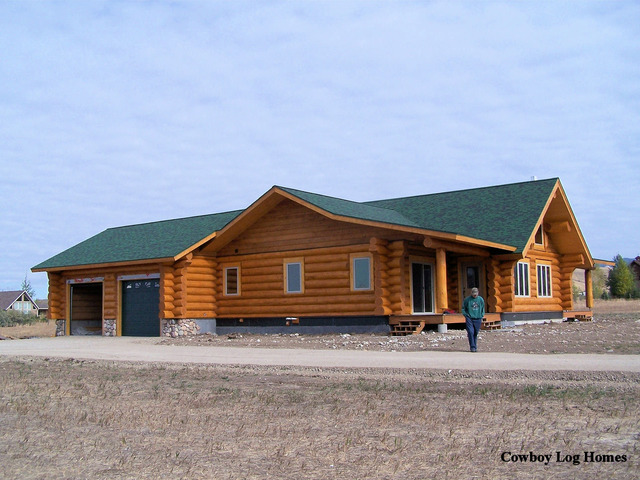 handcrafted-log-home-with-attached-garage