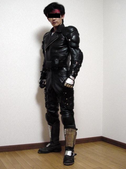 b_suit01