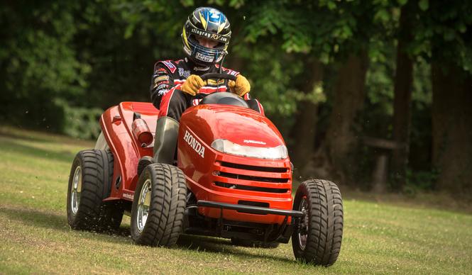honda_lawn_tractor_vtr_1000_04