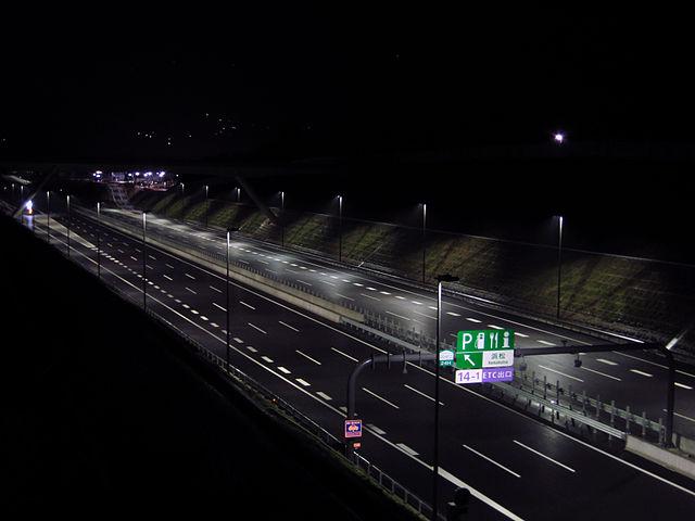 高速乗ると20km前後で眠くなるんだが、これって慣れの問題?