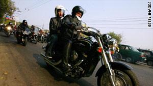 story_helmet_death_gi