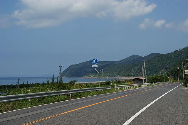 海沿いを走る国道191号