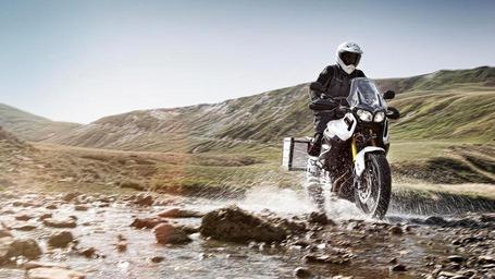 2013-Yamaha-XT1200Z-Super-Tenere-EU-Competition-White-Action-001