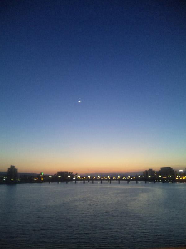 月と金星がきれい