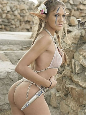 11-world-of-warcraft-cosplay-girls11