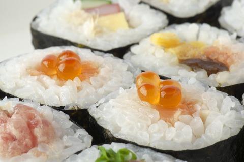 sushi-rolls-2110486_1920