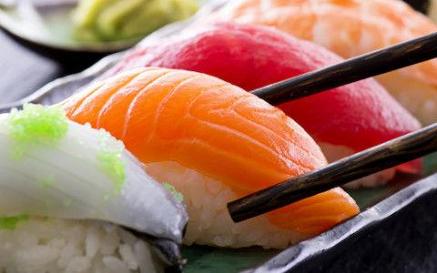 上司「こんなに食えんから俺の寿司も1個食っていいぞ」ワイ「マジですか!!!」←無難な寿司ネタを選べ