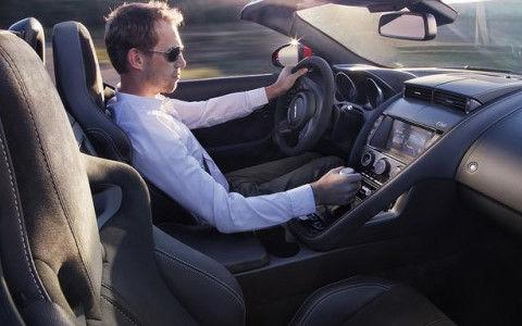 【マニュアル車】指導員「じゃあゆっくり減速してー」俺「はい!」ガコンッ エンストー←これ