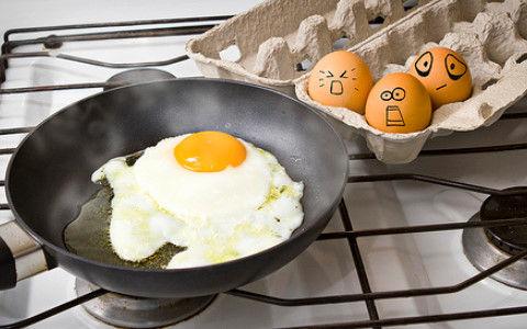【謎理論】1週間に卵を3個以上食べる人は心疾患などのリスクが高くなる。1日3個でも大丈夫理論は何だったのか