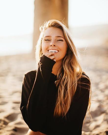 笑顔の女子