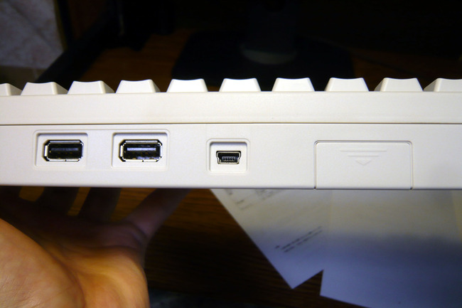 HHKB背面USBポート等