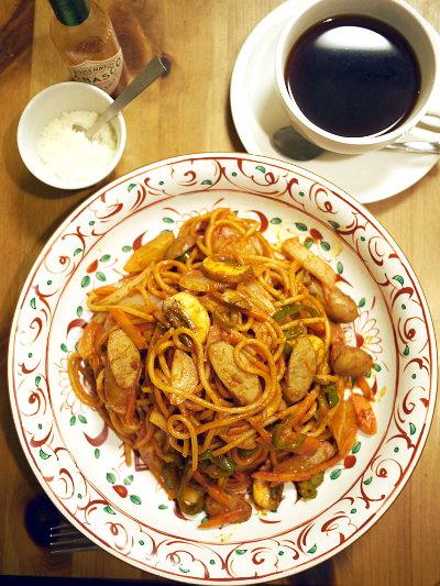 「瑠璃と料理の王様と」(きくち正太)のキッチンたちばな流ナポリタン
