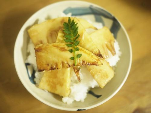 「あさひごはん」(小池田マヤ)の筍のオリーブオイル焼き丼