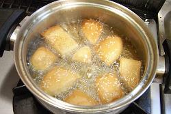 パンを揚げる