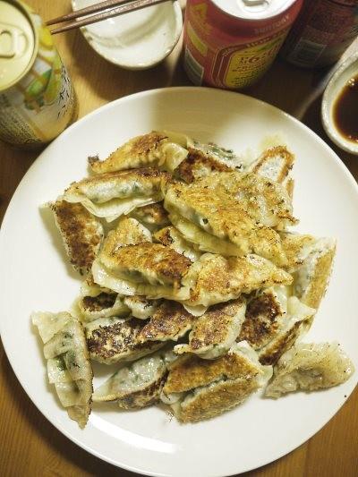 _1260661 「ワカコ酒」(新久千映)の合い挽き肉の先炒め餃子 : マンガ食堂 - 漫画の料