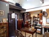 カフェ瑠璃店内