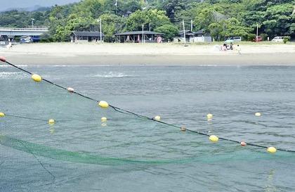 入野・浮津の海水浴場再開