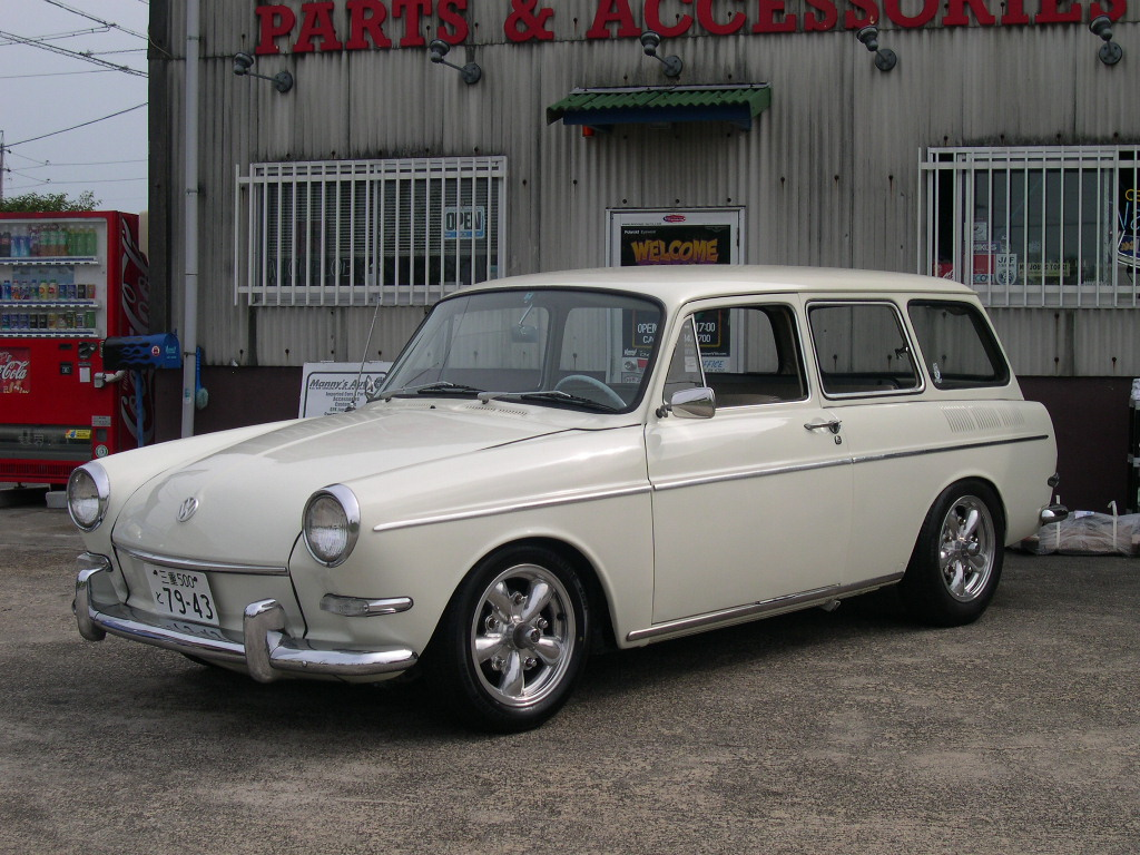 manny 39 s auto blog 1966 vw type 3 sqb. Black Bedroom Furniture Sets. Home Design Ideas