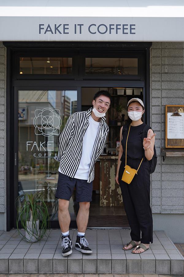 今日初めて【FAKE IT COFFEE】に来たという東京女子。【COFFEE COUNTY FUKUOKA】【ピックドール】【珈琲小林】。