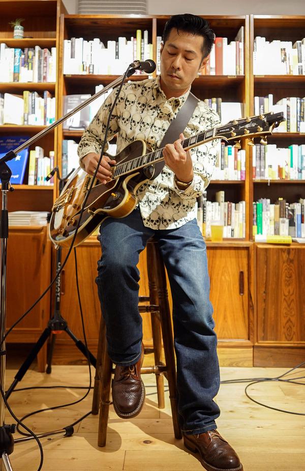 天神「石原顕三郎 in Rethink Books」でジャンプ&スウィングミュージック。そして「マスカル珈琲」「大河すし」「酒房 朋」。