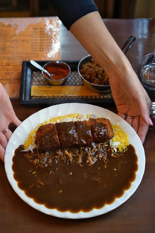お昼は上川端「Spice」で海老カツカレー。夜は「バソキ屋」「SWEET TIME +PLUS+」「Banx River」。