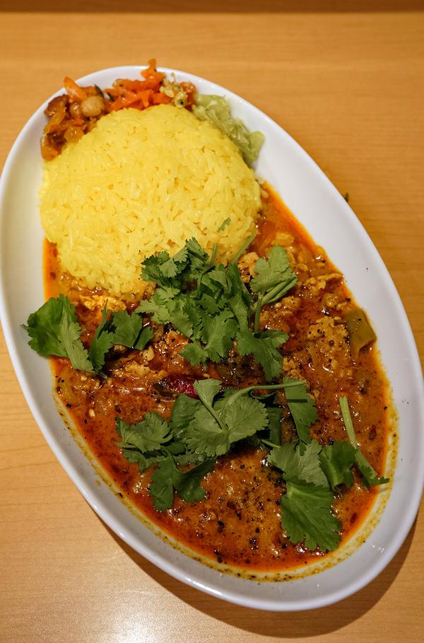 今夜は【マサラキッチン】でダヒキーマ。昨夜は【栄養】からの『カレバカラジオ』でした。
