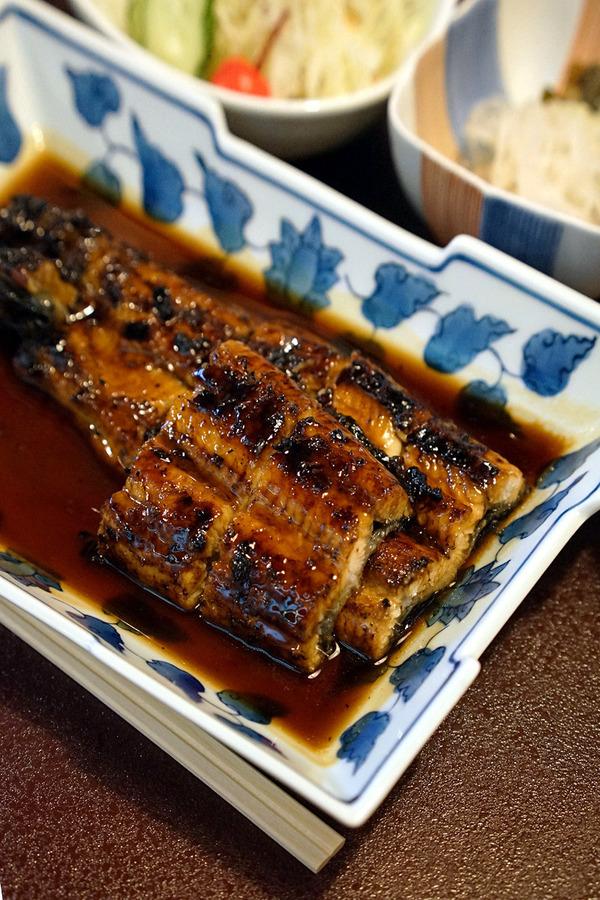 久しぶりに久留米「富松うなぎ屋」で、うなぎ定食。