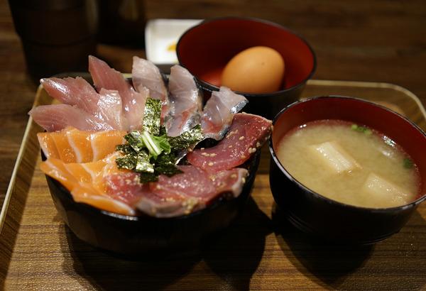 海鮮丼DSC01348