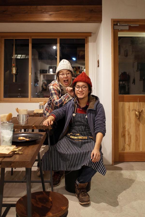 夜は「MEGANE CURRY」で汁無しチキンカレー、からの「MIMATSU Specialty Coffee Roaster」。昼は「元祖赤のれん 雄ちゃんラーメン」。