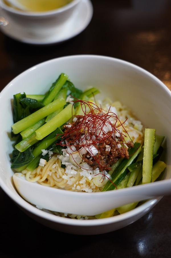 お昼は【中国菜 隨園】【GREEN STAND】【SWEET TIME +PLUS+】。夜は【クボカリー大名店】でポークコルマ。