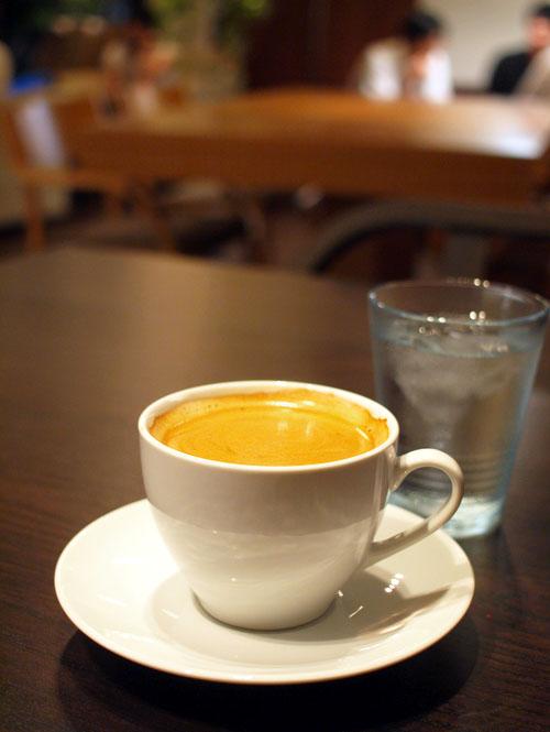一か八か、孫正義社長と比べてみたくなるカフェマスター