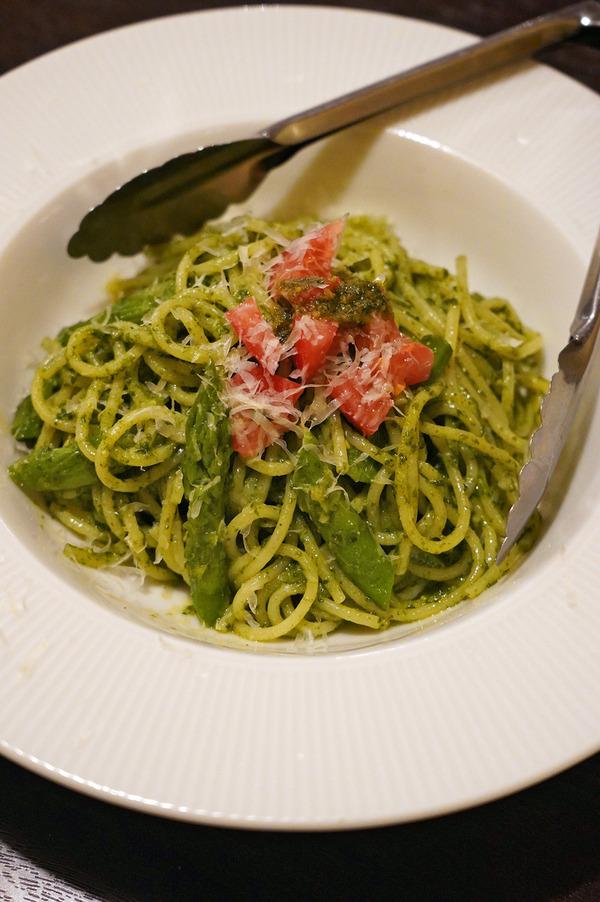晩ご飯は志免町【アンジェロ】でジェノベーゼやカルボナーラとか。