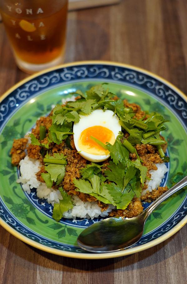 夜に【酒場それなり】でキーマカレー。お昼は【つけ麺 Tetsuji】でジョー店長が作る魚介つけ麺からの【珈琲いわくま】。