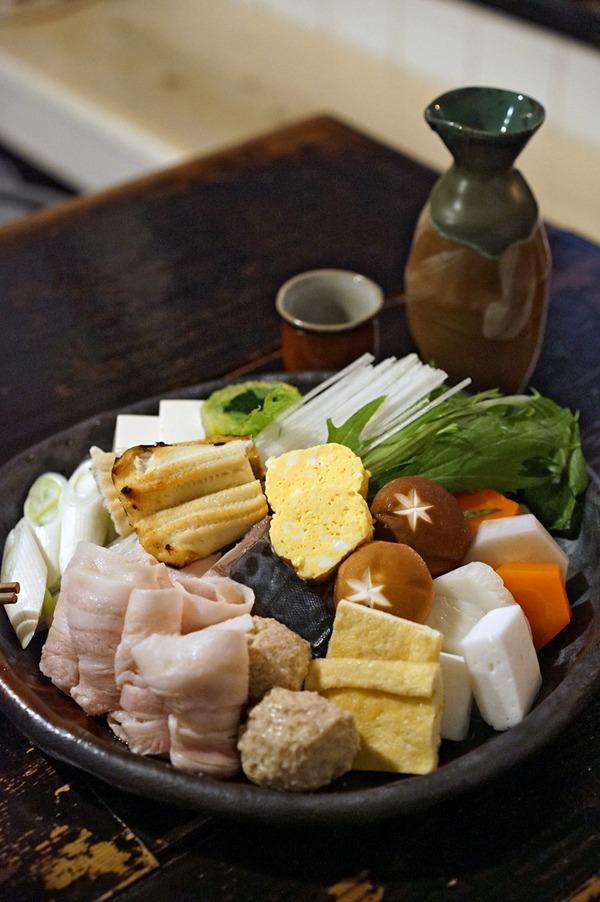 志賀島「おにや」のおまかせ膳は美味しい寄せ鍋。あったまる〜〜〜。