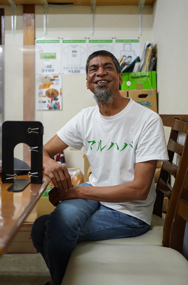 夜は【マルハバ】で瓜と羊肉のカレーからの【珈琲小林】でマンゴーTeaシェイク。昨夜は『カレバカラジオ』でした。