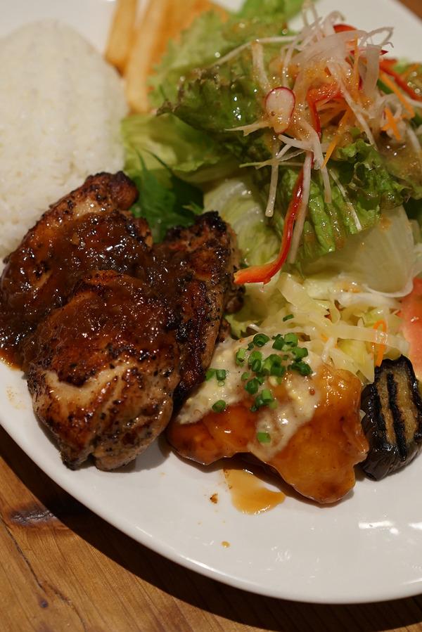 西区今津「プカプカキッチン」で美味しい洋食晩御飯とオーナー輝さんの弾き語りライブ!