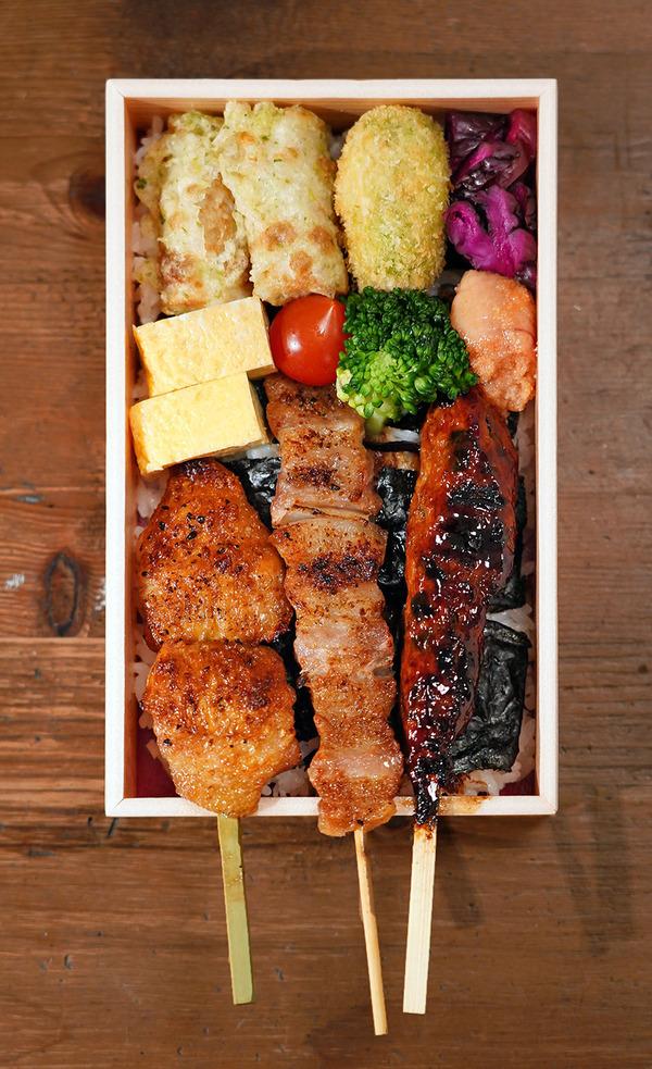 八島社長始動。【焼とりの八兵衛 Bekkan】でテイクアウトお弁当。