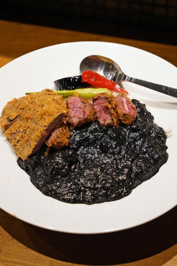 昨夜【明治屋】のブラックデビカツカレーからの【珈琲いわくま】。今日は【BOOTY CURRY】【cafe MARUGO 向野店】【とり焼肉エイト】。