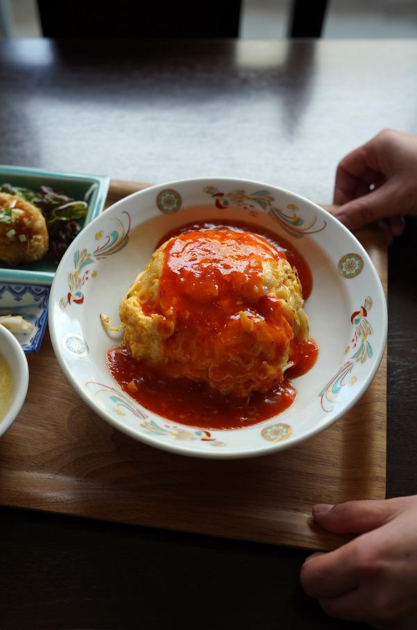 お昼は【杏仁荘】でエビチリチーズ天津飯定食。夜は【中華そば かなで】で中華そば。昨夜は【MOMENET COFFEE】からの『カレバカラジオ』の生放送でした。