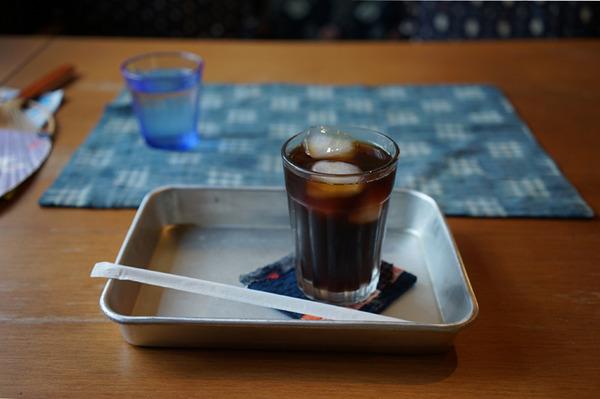 小さなカフェ つき