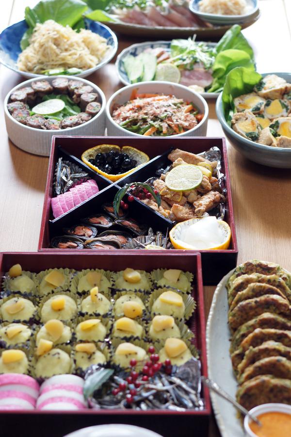 元旦は久留米の実家のおせち料理から始まります。