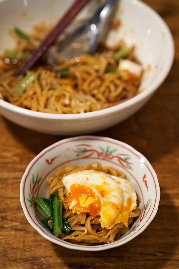 「亜洲界世」で台湾料理いろいろ、からの「Banx River」。