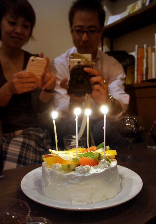 Read cafeでオリジナル誕生ケーキ。