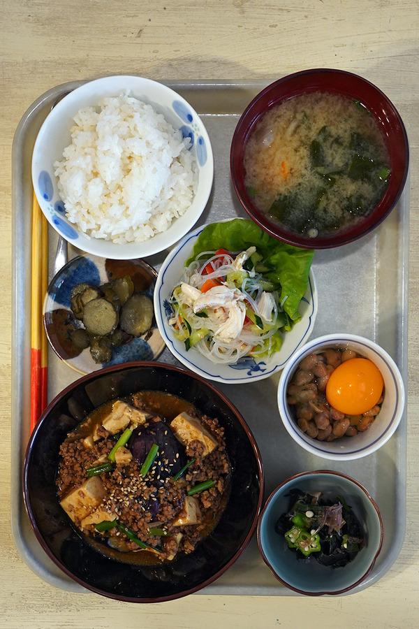 平尾【カフェあぴ】で昼ご飯、からの【COFFEE COUNTY FUKUOKA】と【新川コテージ珈琲】。