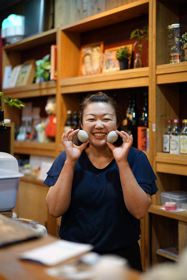 夜は「中国菜 隨園」で夏限定の冷麺からの「Banx River」で抹茶ラテ。昼は「カレー専門店スパイス」「Pin」。